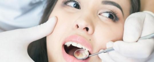 Cuidados básicos para tus prótesis dentales