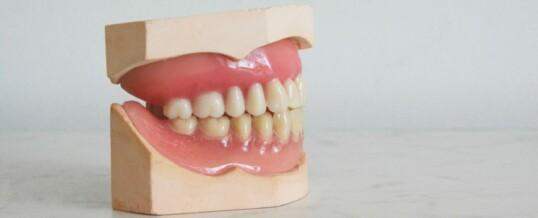 Todo sobre las prótesis dentales flexibles Valplast